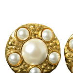 chanel_earclips_gold_pearls_1 Kopie