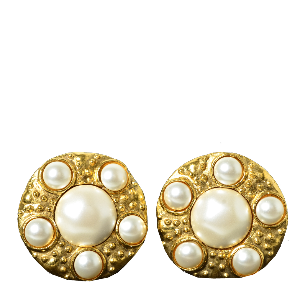 chanel_earclips_gold_pearls_2 Kopie