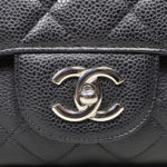 Chanel_Timeless_classic_jumbo_caviar_leather_black_silver_8 Kopie