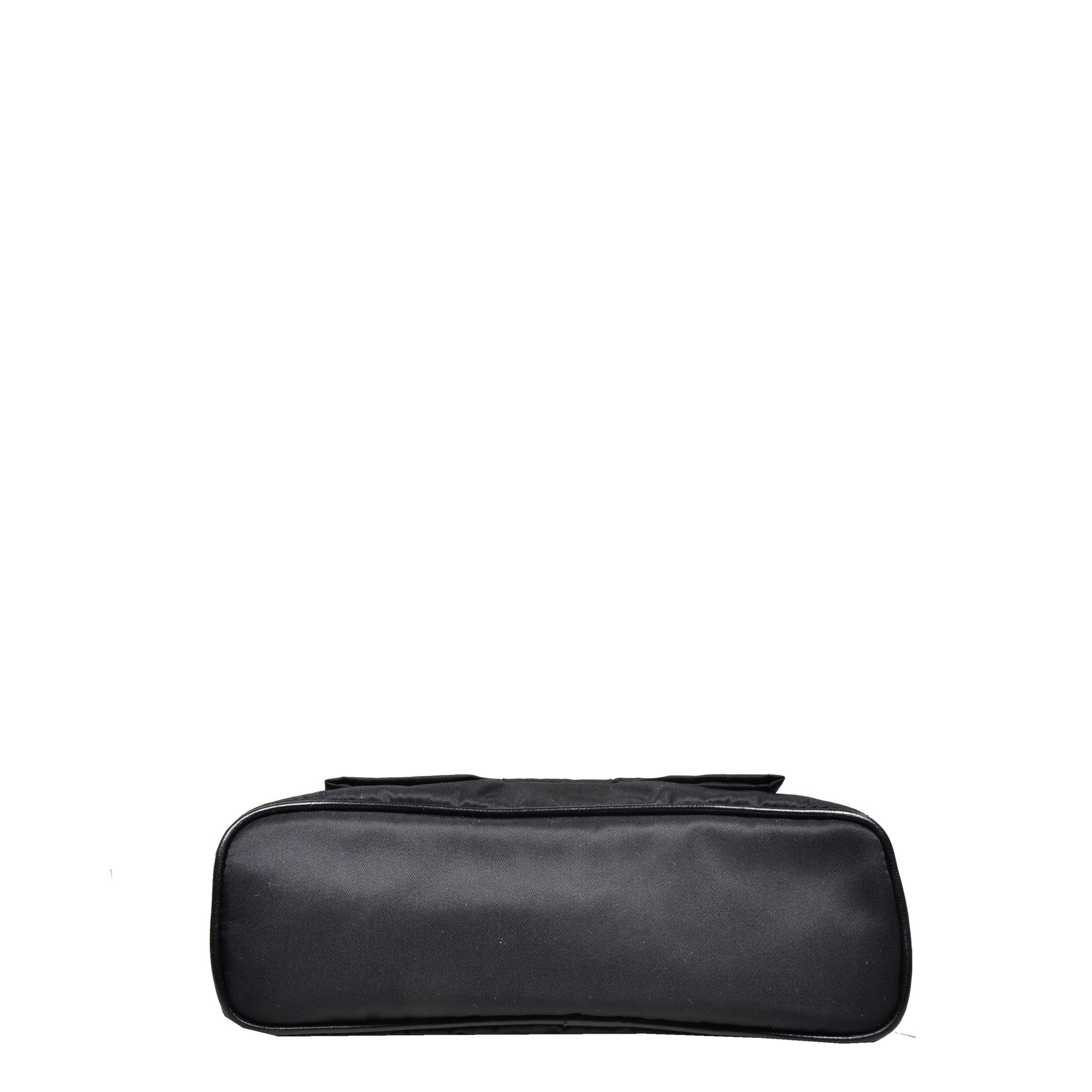 ewa lagan - Prada Pochette Loop Nylon Black Schwarz cc9ecdb210c