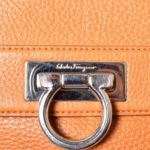 Salvatore Ferragamo bag orange leather gold with shoulderstrip_5 Kopie