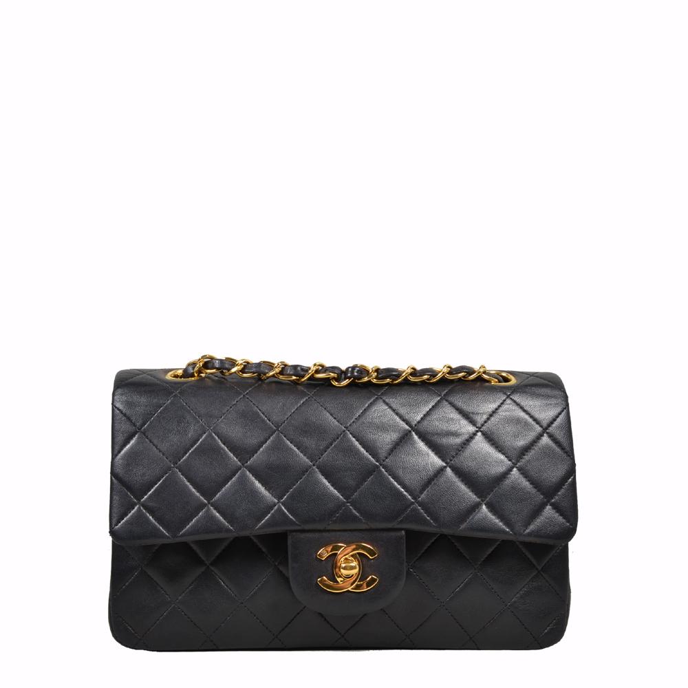 Chanel 2.55 Timeless Noir Black (23 x 6 x14) 3.300 Euro