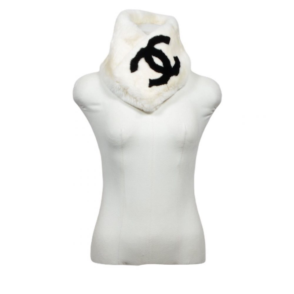 chanel scarf rabit 1350